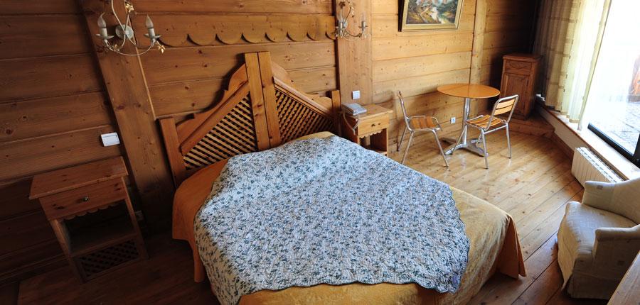 france_three-valleys_val-thorens_hotel_le_portillo_bedroom.jpg